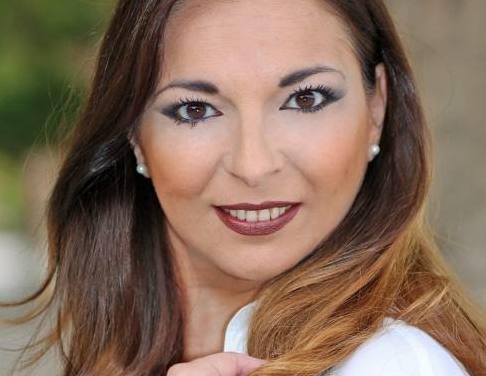 Anabel Altube, candidata 2019 de la Hoguera Portuarios Pla del Bon Repós