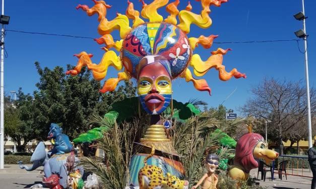 Artistas alicantinos que plantan Fallas