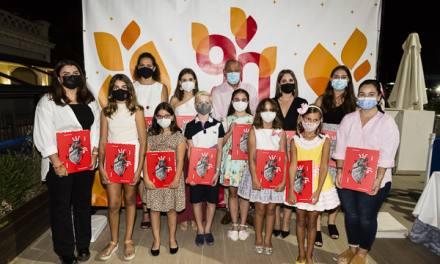 Séneca-Autobusos presenta un llibret dedicado a su artista, Manuel Algarra